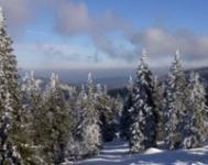 Vrcholky Jeseníků pokryl první sníh, na Sněžce padal déšť se sněhem