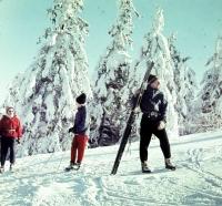 Někdejší průkopníci a skalní lyžaři tohoto vrcholu. Jistě je poznáte