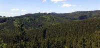 Pohled na vrchol Lysé hory ze stejného místa.