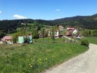 Pohled od chaty Doroťanka na trasu k Sulovským skalám.